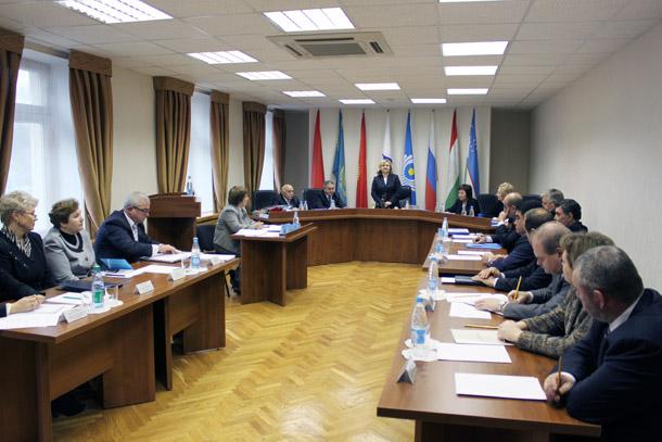 На пятничном заседании совета глав правительств стран снг в минске был подписан ряд документов о сотрудничестве